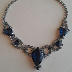 Jewelry - Vintage Rhinestone 1960s Bib Necklace